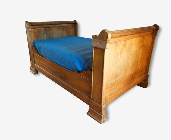 lit bateau ancien bois mat riau bois couleur. Black Bedroom Furniture Sets. Home Design Ideas