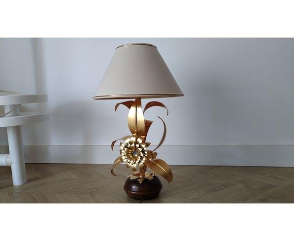 Vintage flower lamp