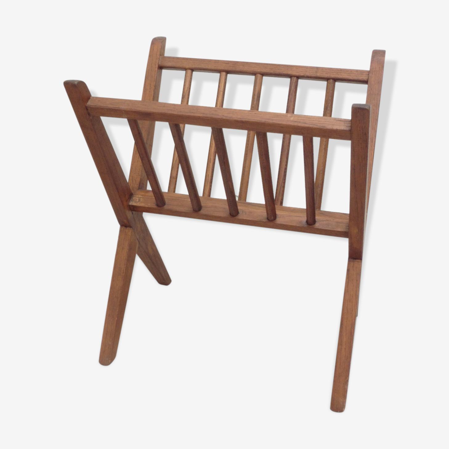 Porte revues en bois style scandinave