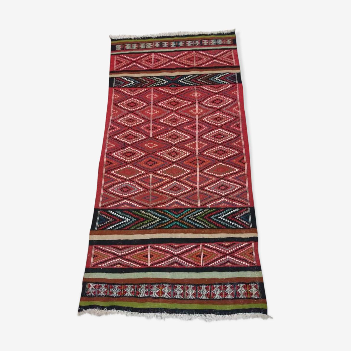 Tapis kilim berbère rouge multicolore en laine 100x200cm