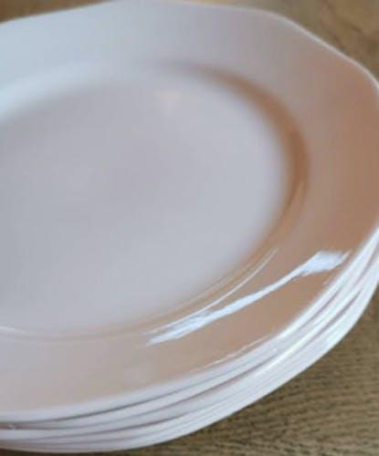 Service de 6 assiettes à dessert rose pâle en faïence l'Amandinoise de Saint-Amand
