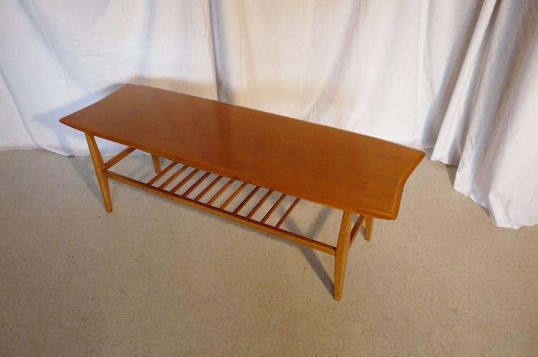 Table basse scandinave en bois blond