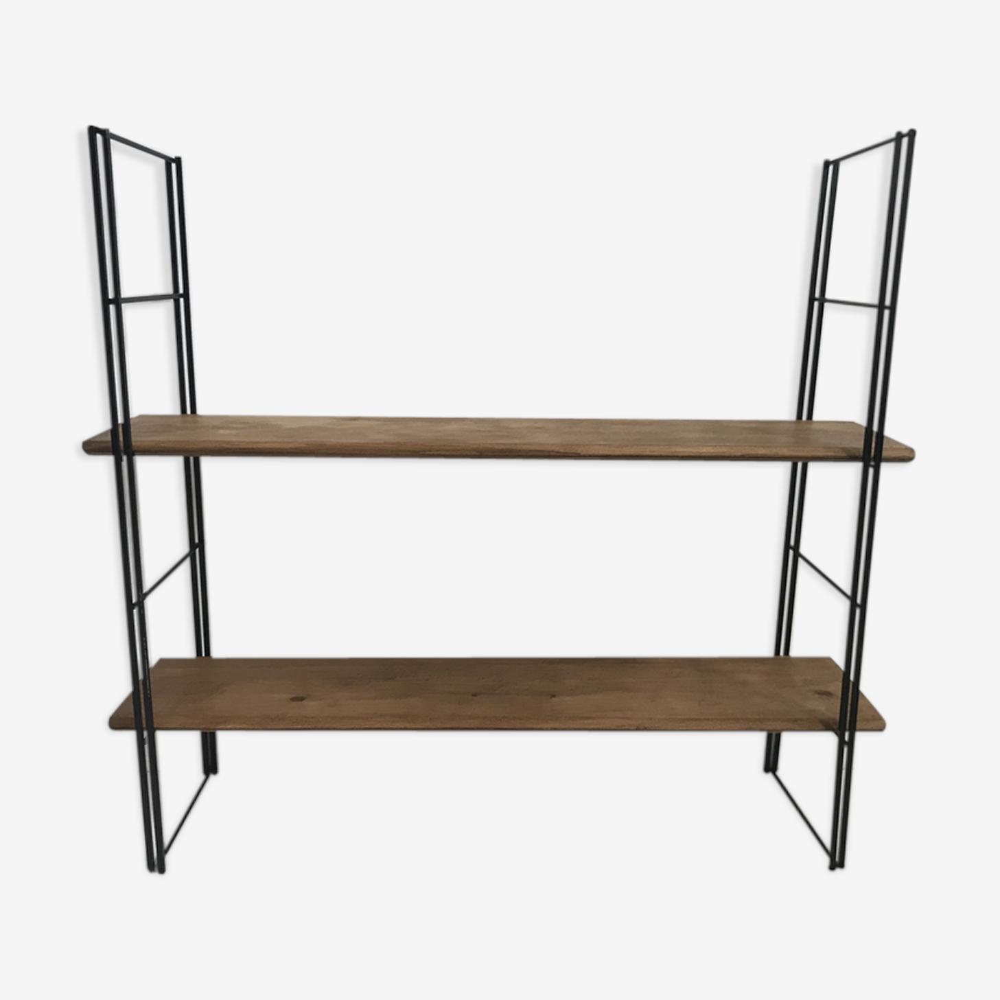 Shelves tomado
