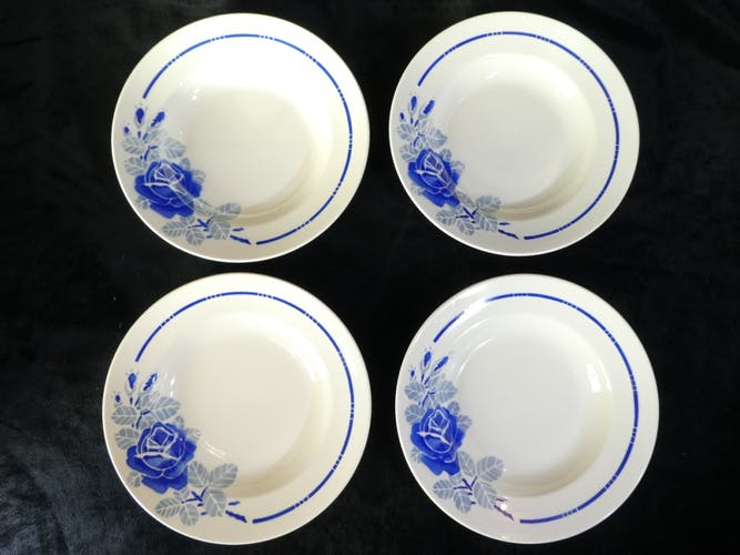 12 assiettes creuses en faience de Badonviller modele rose bleu