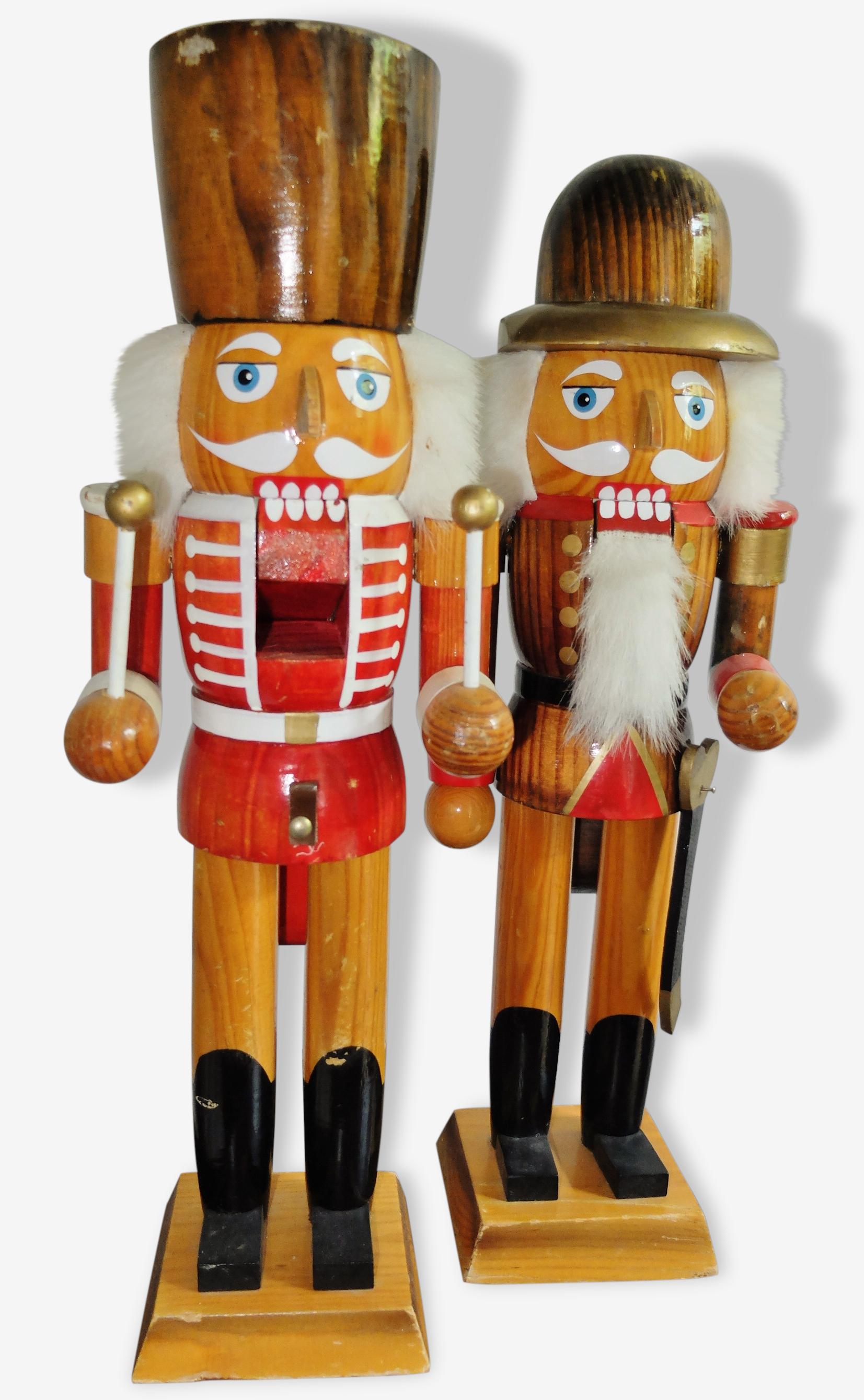 Lot 2 soldats en bois casse-noix