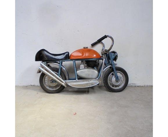 Ancienne moto de manège