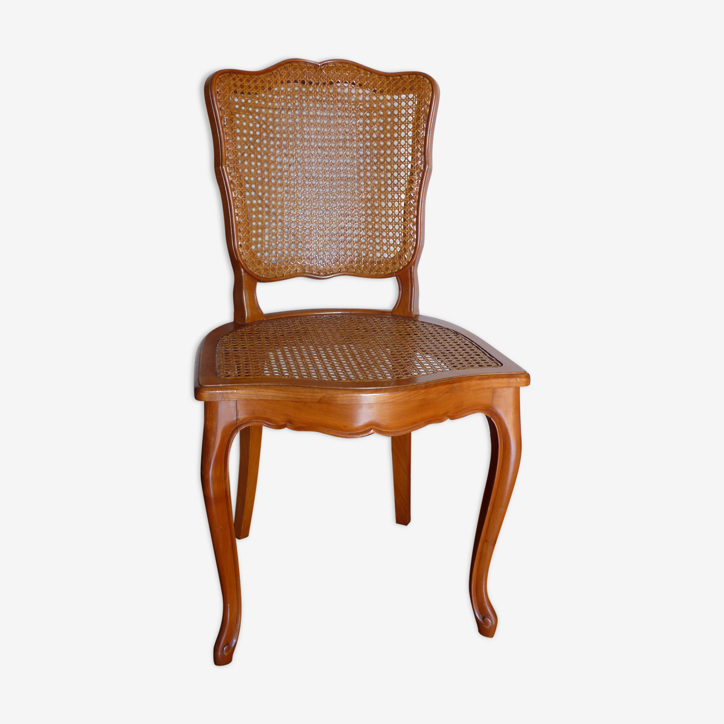 Chaise cannée de style Louis XV
