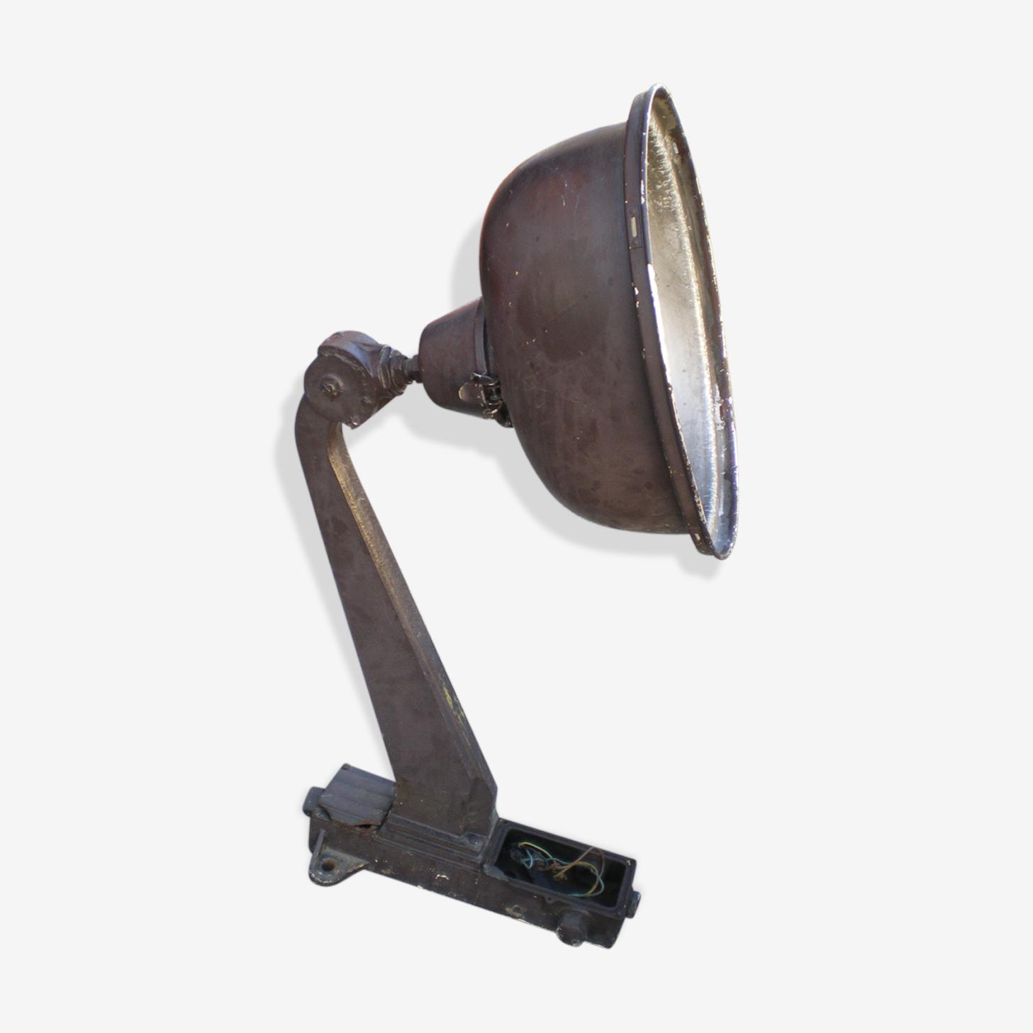 Lampadaire projecteur en fonte marque SD paris