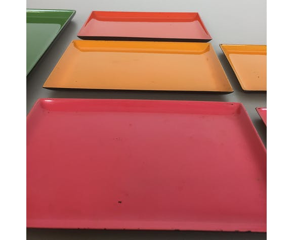 Series of 8 multi-colored appetizer trays