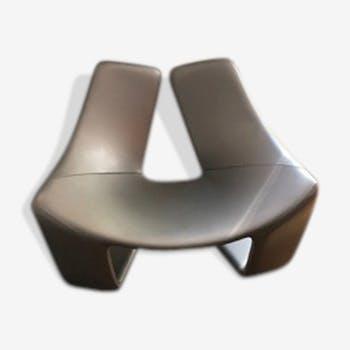 """Steiner's """"Zen"""" chair design Koi Chan"""