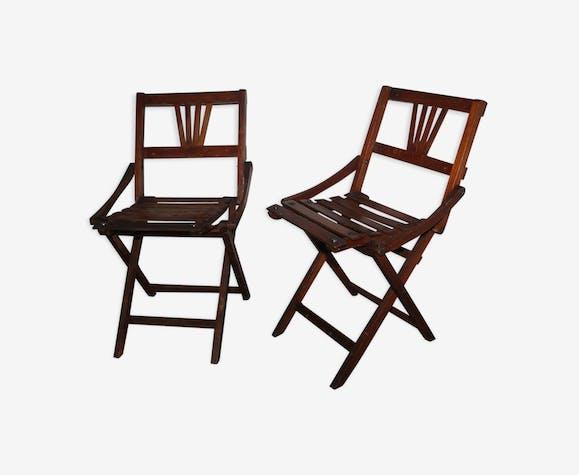 Anciennes chaises pliantes en bois