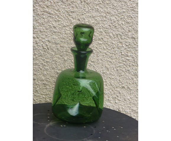 Green glass decanter 1970, with its glass stopper