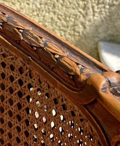 Fauteuil en noyer & cannage Style Louis XVI