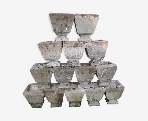 Lot de 14 jardinières en pierre reconstituées