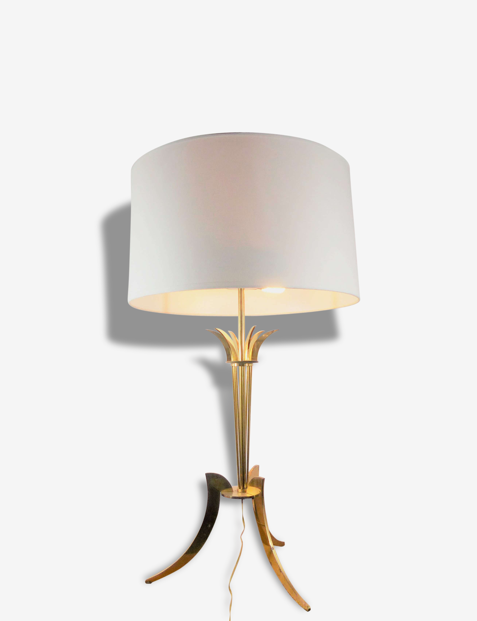 Grande lampe de table tripode en laiton doré 1960