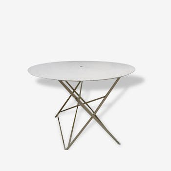 Table old round metal folding