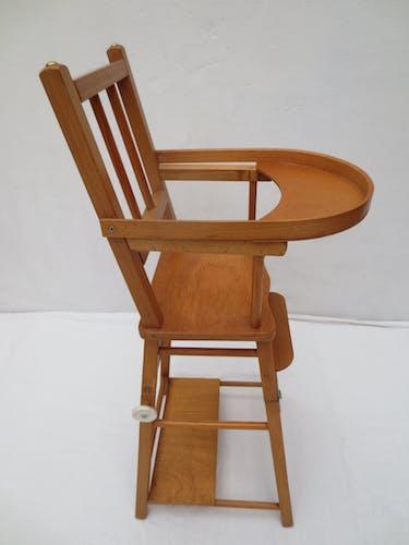 Chaise haute de poupées en bois chêne clair