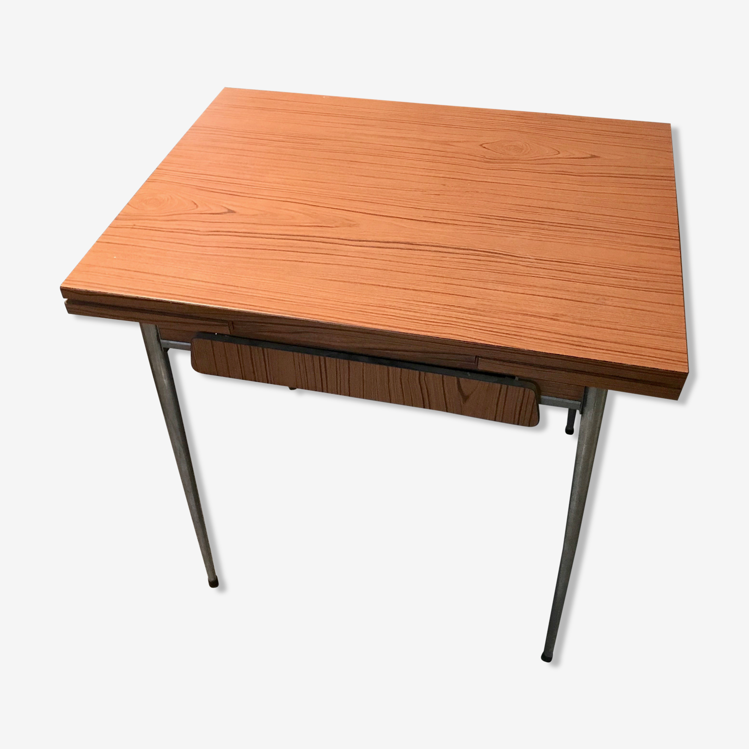 Table en formica marron