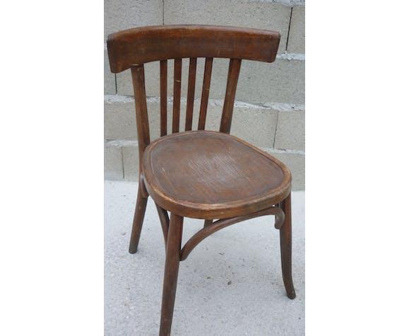 Paire de chaises bistrot anciennes avec patine foncée