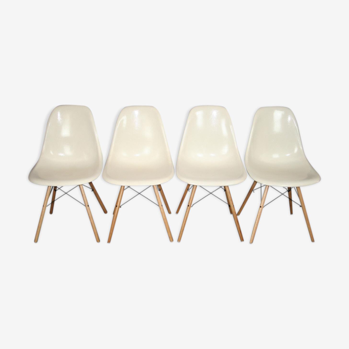 4 chaises dsw Eames Herman Miller