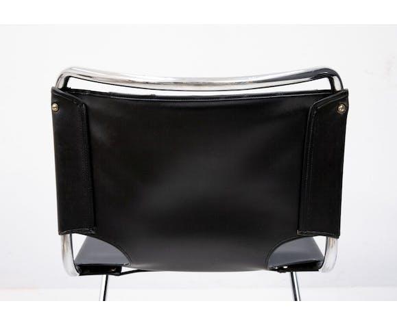 Deux chaises en porte-à-faux Pascal Mourque modèle Biscia