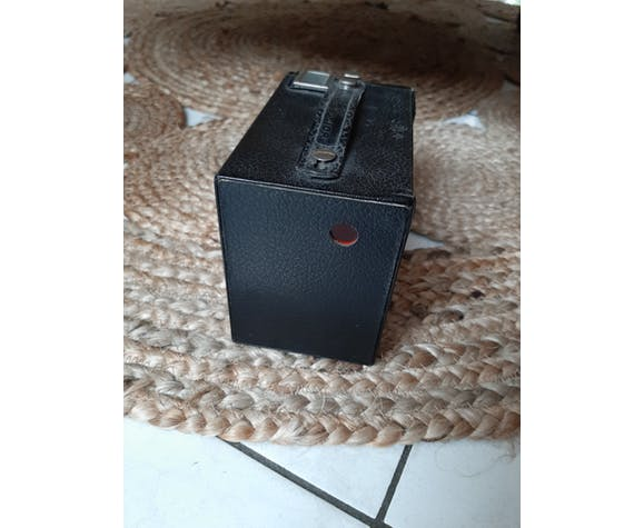 Vintage camera kodak brownie junior six-20