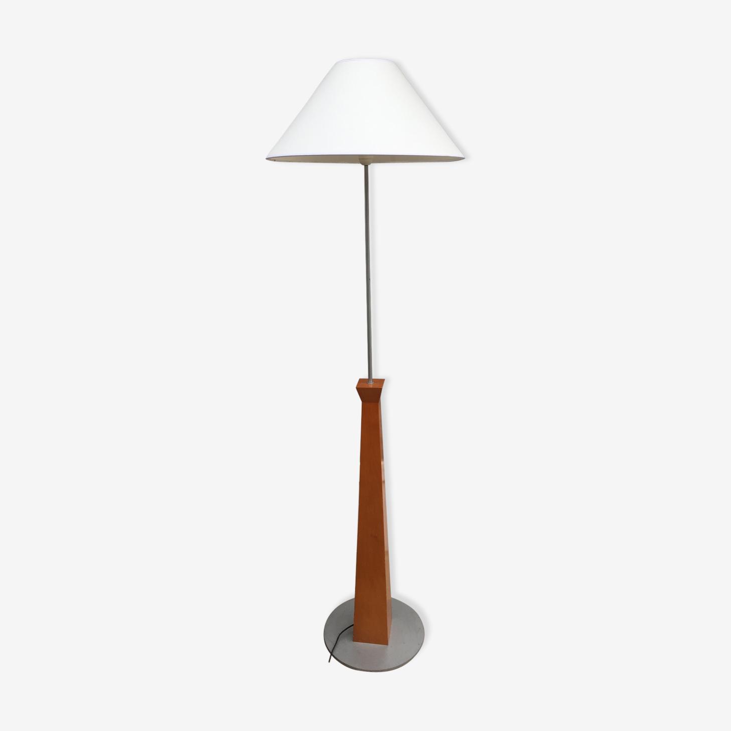 Lampadaire en bois et métal