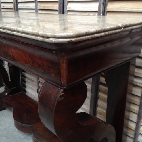Console mahogany with a drawer front