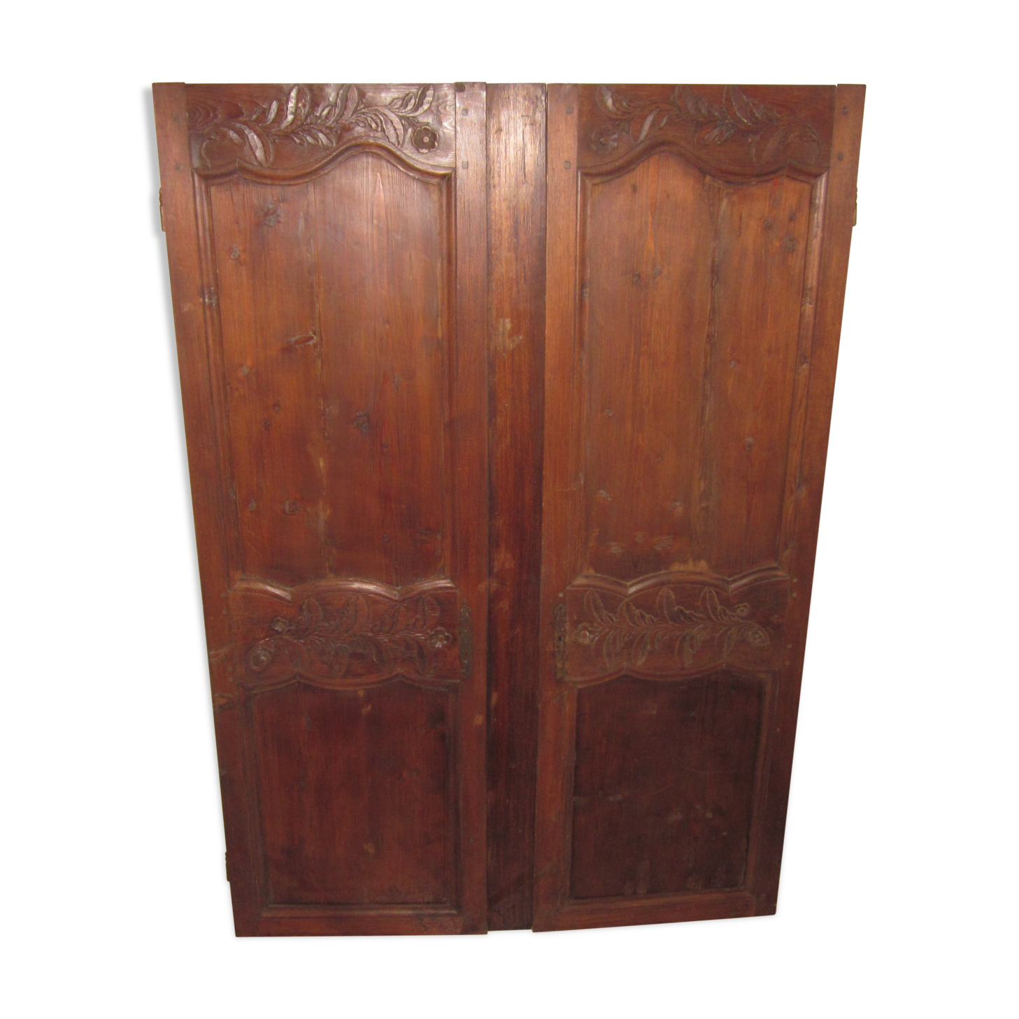 vieille fentre en bois stunning vieille fentre en bois a deux vantaux et simples vitrages with. Black Bedroom Furniture Sets. Home Design Ideas