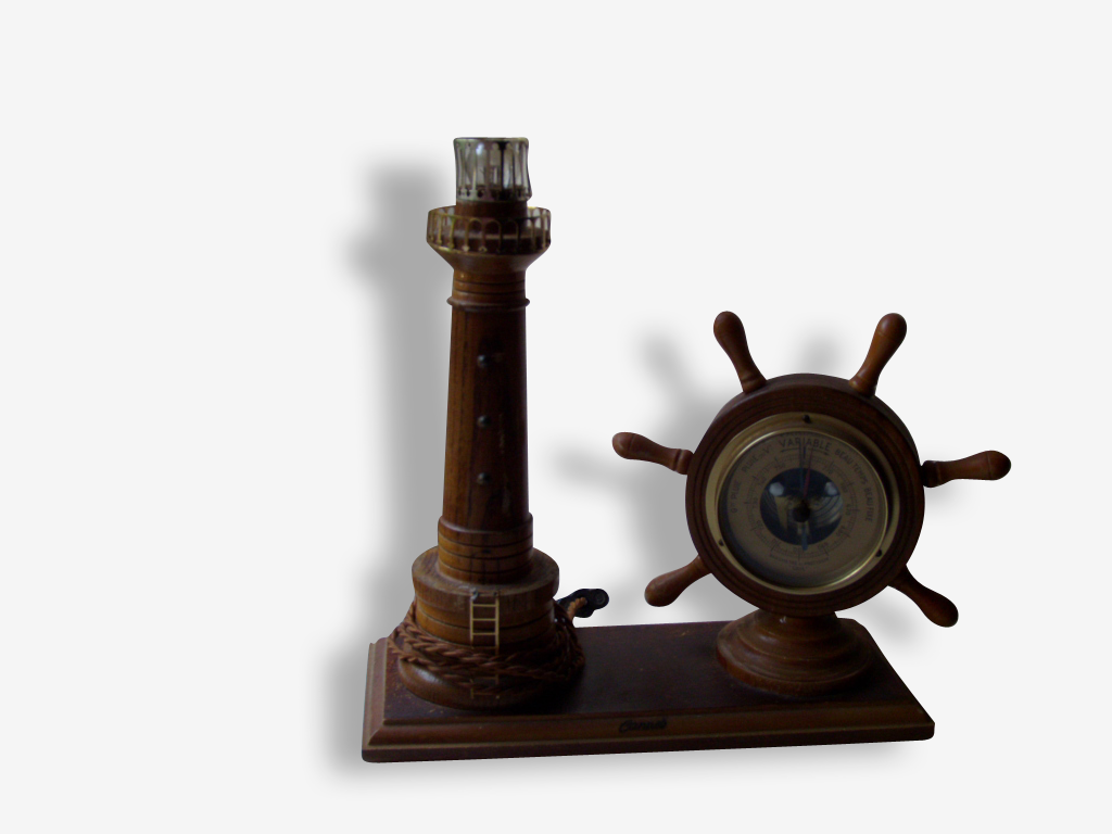 Lampe phare et baromètre en bois
