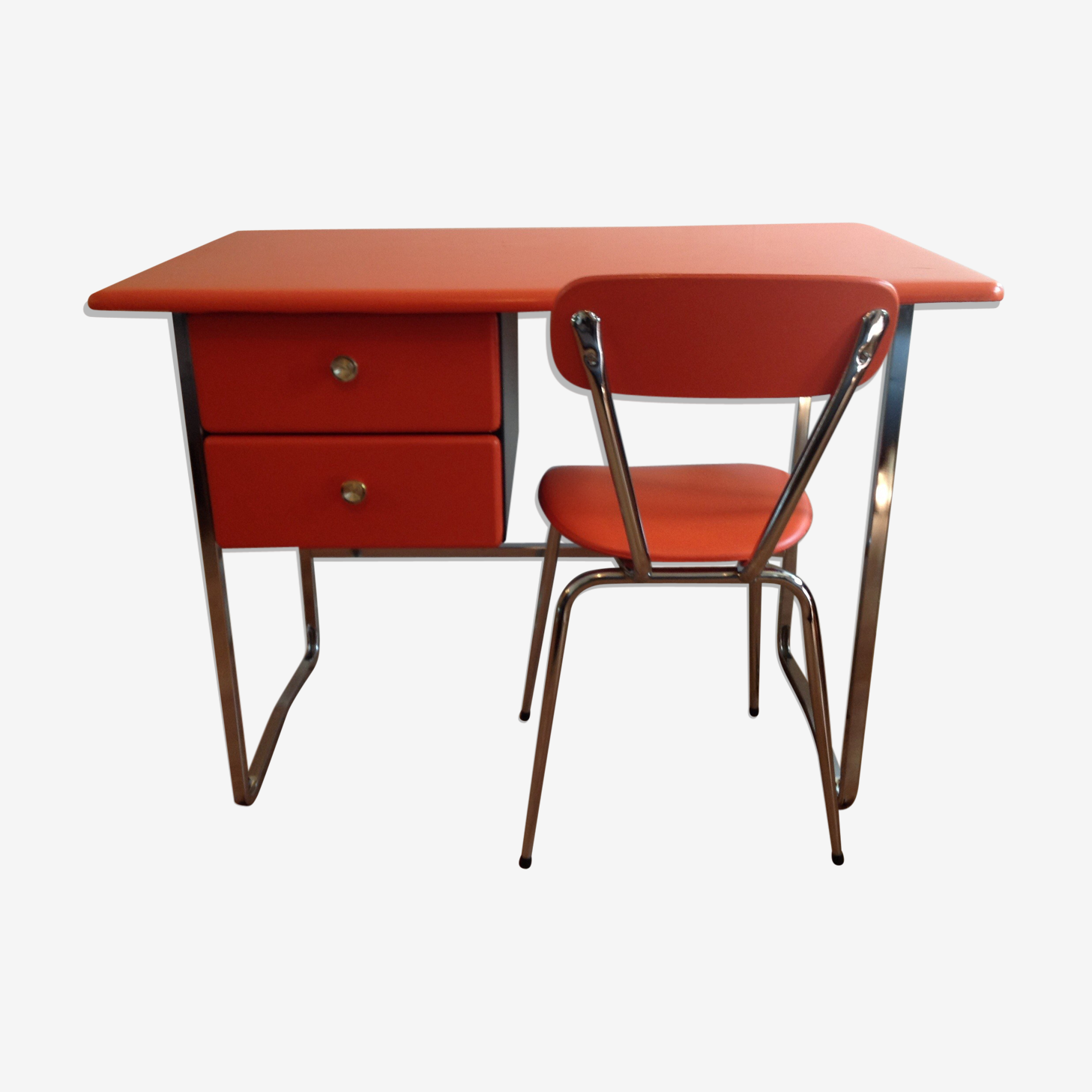 Bureau orange pop skaï et chrome avec sa chaise vintage