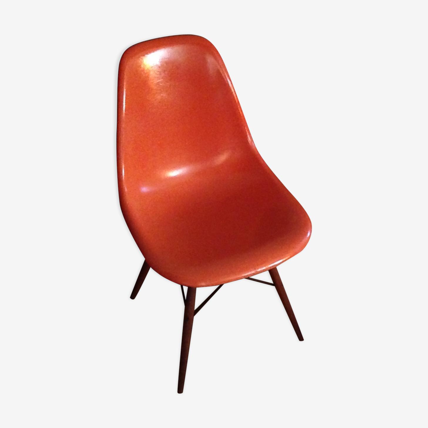 Chaise Eames DSW d'origine orange