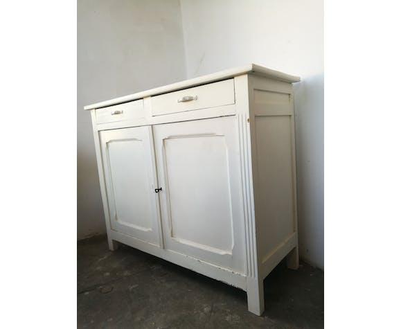 Buffet parisien blanc
