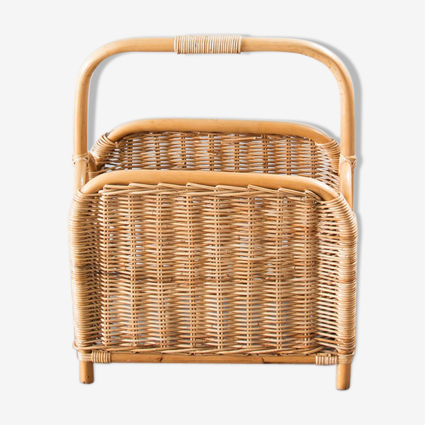 Magazine rack wicker