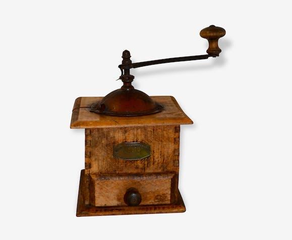 ancien moulin caf mouvement acier forg bois mat riau bois couleur classique 91806. Black Bedroom Furniture Sets. Home Design Ideas