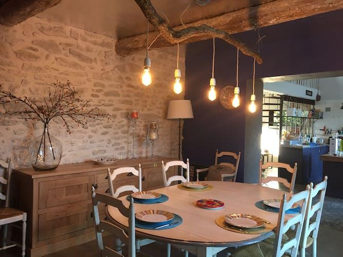 Table et assises provençale en chêne massif