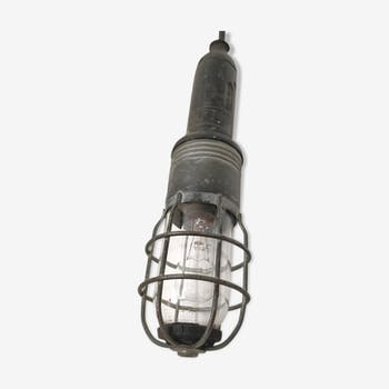 Industrial Atrow walking lamp with globe