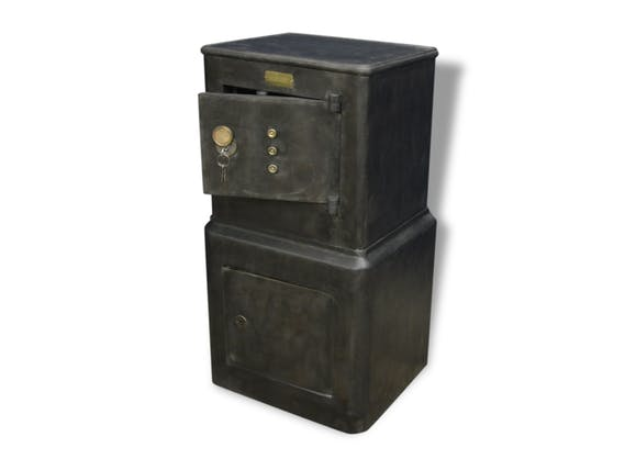 ancien coffre fort fichet mobilier industriel m tal. Black Bedroom Furniture Sets. Home Design Ideas