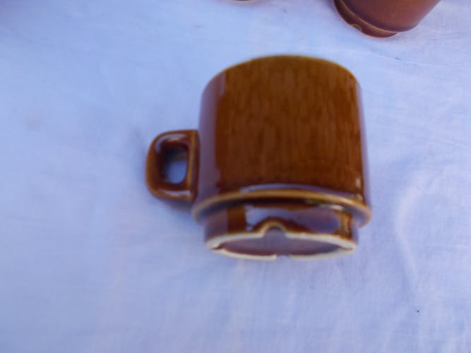 Lot of 6 cups brown bistro