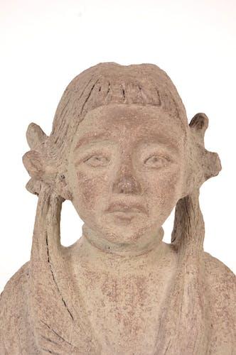 Buste en pierre Signé V.M.