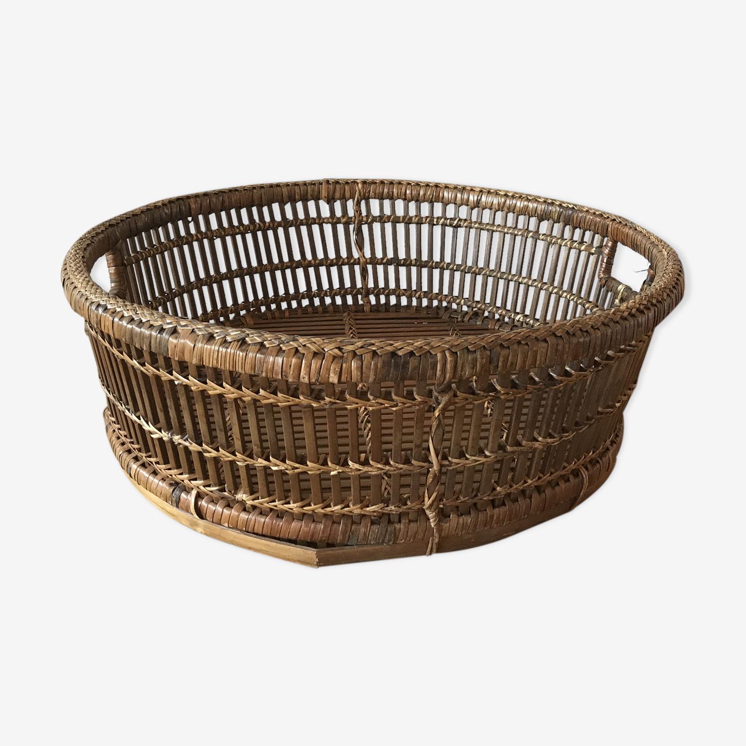 Basket rattan
