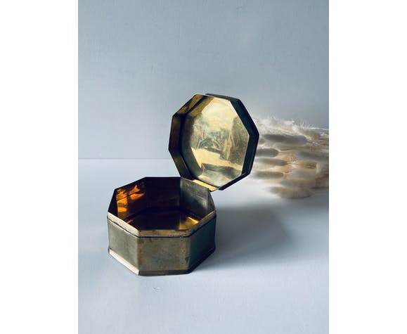 Boîte hexagonale en laiton
