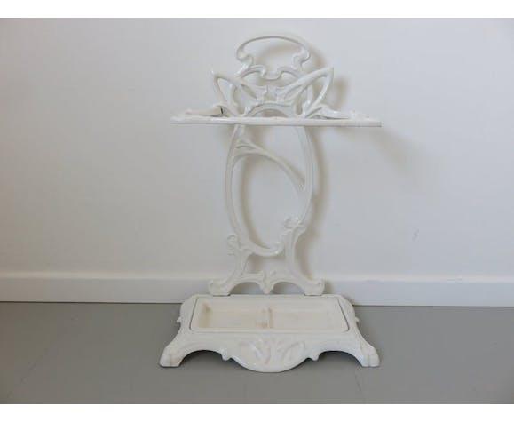Castirone umbrella door in white enamelled cast iron