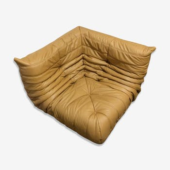 "Angle chair ""Togo"" cognac leather by Michel Ducaroy for Ligne Roset"