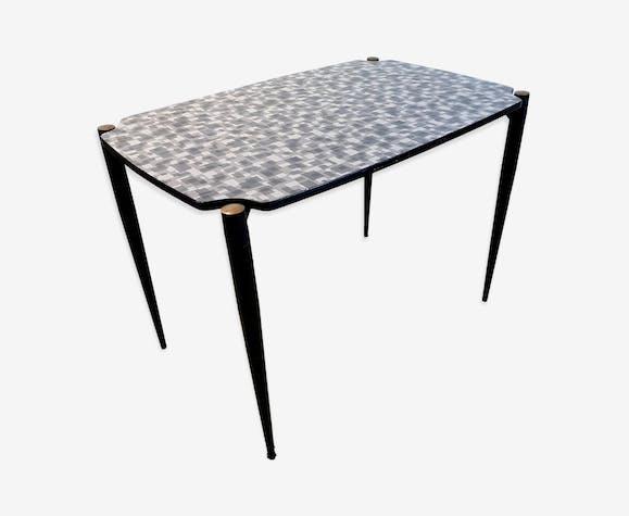 Table à manger avec dessus formica & black métal jambes, années 1950