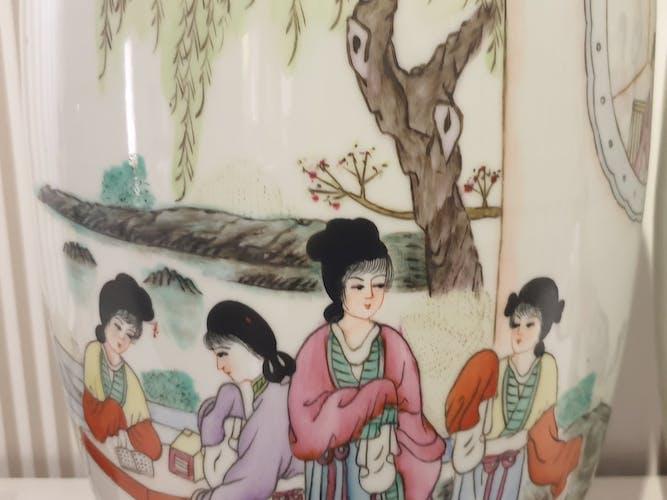 Vase en porcelaine de chine début XXe famille rose 62 cm
