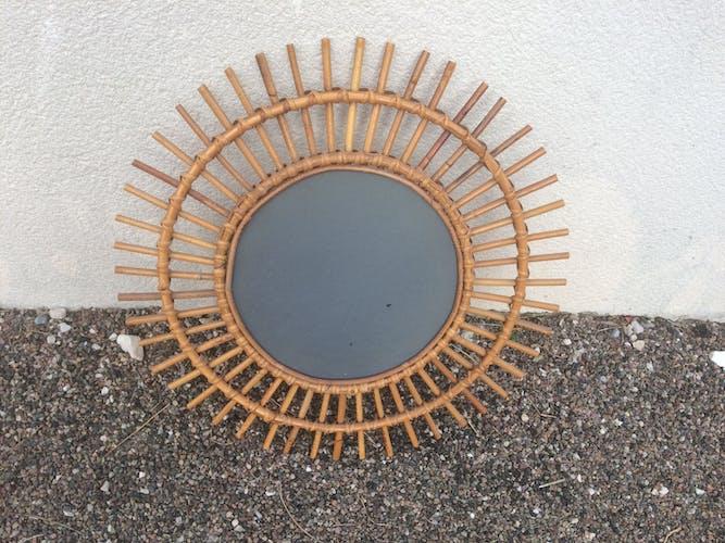 Miroir soleil en rotin 58x58