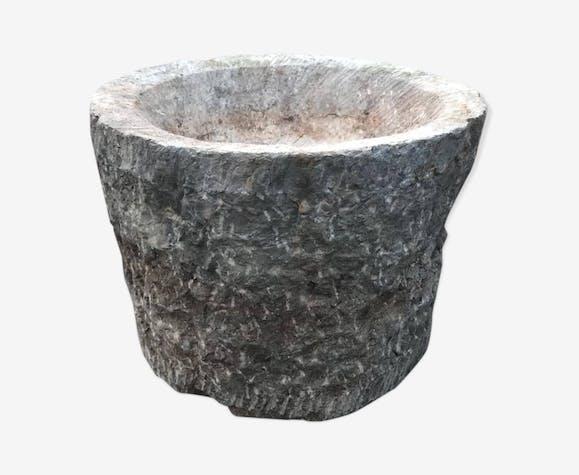 Auge ronde conique en pierre