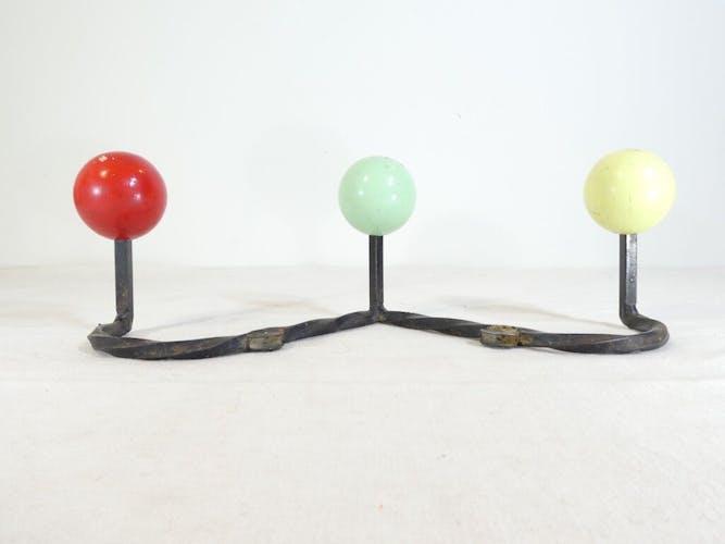Porte manteaux vintage boule tricolore des années 50 - 60
