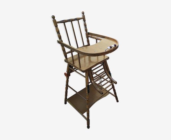 Chaise haute pour enfant combelle